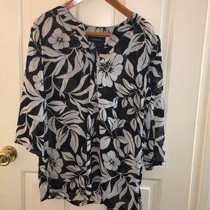 Jones Wear sheer blouse with 3/4 length sleeve